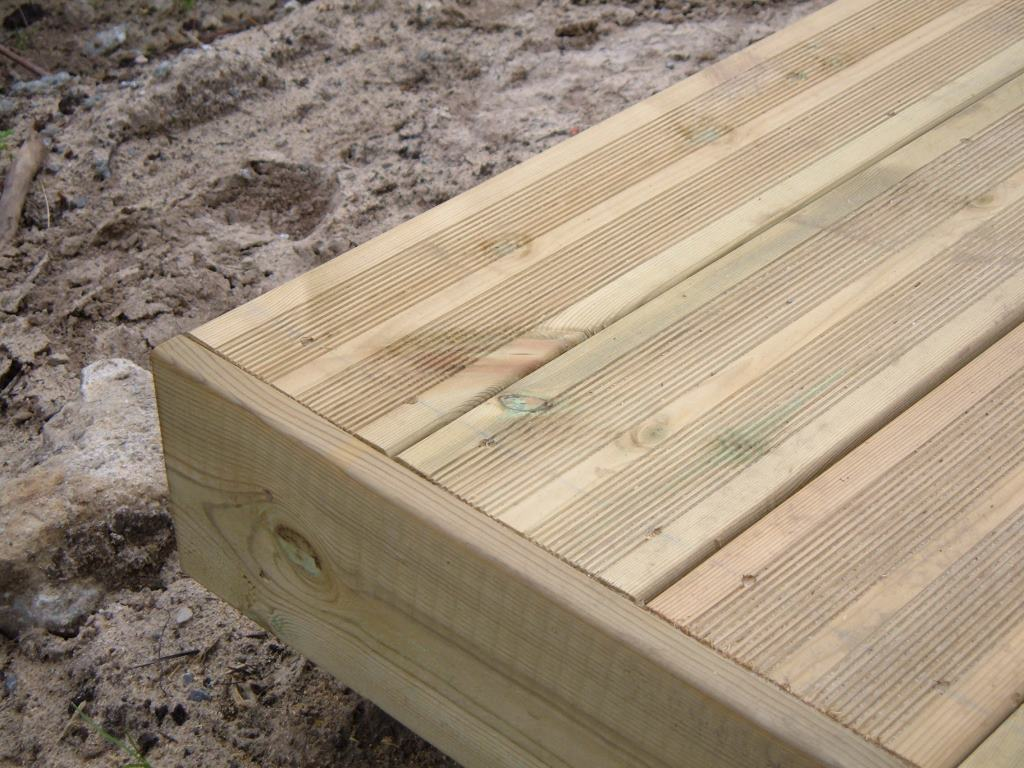 Lame de terrasse bois en PIN MARITIME traité autoclave Classe 4